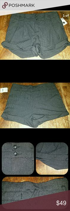 Free People RUMPLED CUFFED herringbone Shorts Bnwt F0 menswear Insp herringbone  rumpled up cuff  Sz 12 Msrp $98 PLS SEE pics of tag for material contents, care instructions, etc Measurments to be added shortly Reasonable offers are welcome pls use offer button Free People Shorts