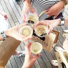 It is the last day of the best 4 days of our lives. Soo much wine. So many happy people. One of the best wine festivals yet - well done @wine_island 📸credit @sashahartley_ #globeletvino #summer #wineisland #sydney #bondi #wine #nzwine #nzmade #ausimade #ausi wine #summer #harbour #shatterproof #steamless #wineglass #coogee #vino