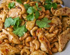 Crock Pot Cashew Chicken cup all purpose flour tsp black pepper 1 Tbsp canola oil cup soy sauce 2 Tbsp rice wine vinegar 2 Tbsp ketchup 1 Tbsp brown sugar 1 garlic clove, minced tsp grated fresh ginger tsp red pepper flakes cup cashews Crock Pot Recipes, Slow Cooker Recipes, Chicken Recipes, Cooking Recipes, Cookbook Recipes, Crockpot Meals, Chicken Freezer, Sticky Chicken, Crock Pots
