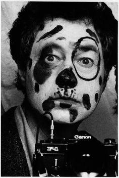 Elliott Erwitt - (Self-Portrait), 1979 #fotografia #reflexiva www.reflexiva.es