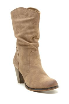 Pull on tan boots <3