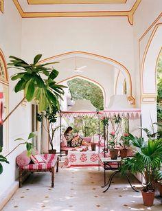 Marie-Anne Oudejans Jaipur hote apartment, photo Francois Halard in AD