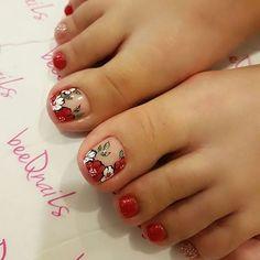 Wildflowers Patterns for Hoh Lee Ping Uñas Decoradas 💅 Pedicure Designs, Pedicure Nail Art, Toe Nail Designs, Manicure And Pedicure, Toe Nail Color, Toe Nail Art, Acrylic Nails, Pretty Toe Nails, Cute Toe Nails