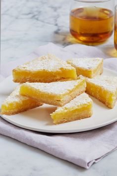 Everyone needs a classic lemon bar recipe in their back pocket. (Hint: This one should be it.) — via @PureWow