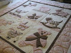 """lovely stitching on a sweet quilt by """".laugh yourself into Stitches."""" - pattern by Bunny Hill Designs 'Sweet Dreams Lily' Longarm Quilting, Machine Quilting, Quilting Projects, Quilting Designs, Quilting Ideas, Baby Girl Quilts, Girls Quilts, Children's Quilts, Quilted Clothes"""