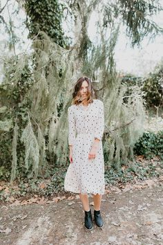 The Edinburgh Patterned Neck Tie Midi Dress in Cream