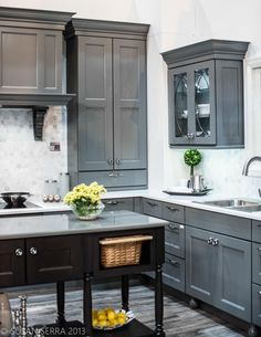 This transitional kitchen would look equally good in a rich brown leather, white, or custom painted wall plate #beautifulswitch