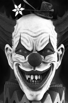 List the stuff you love! Freaky Clowns, Evil Clowns, Evil Clown Tattoos, Evil Jester, Insane Clown, Clown Faces, Send In The Clowns, Unique Drawings, Joker Art