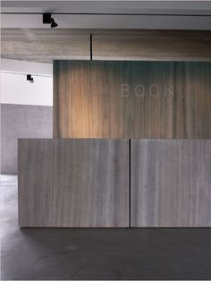 Reception desk in Oak Grey woodstructure stone at the Piet Boon office.