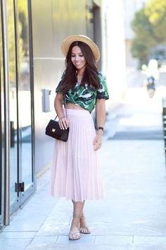 {Mode} 20 looks d'été repérés sur Pinterest! Pleated Skirt Outfit, Skirt Outfits, Midi Skirt, Girl Fashion, Fashion Outfits, My Style, Skirts, Pants, Clothes