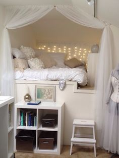 Teen Girl Bedrooms ingenious decor - Interesting range of sweet decor ideas. Sectioned at dream teen girl room , inspired on this day 20190503 Awesome Bedrooms, Cool Rooms, Coolest Bedrooms, Awesome Beds, Beautiful Bedrooms, Beautiful Homes, My New Room, My Room, Dorm Room