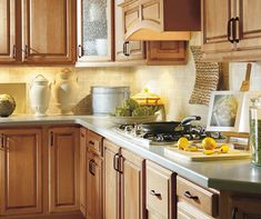 Traditional styling describes this partial overlay style. Vancouver is an ideal style to add artisan glazing finishes or painted colors. Kitchen Cabinet Design, Kitchen Cabinetry, Kitchen Paint, New Kitchen, Kitchen Ideas, Palomino, Traditional Kitchen, Cabinet Doors, Lowes
