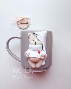 У меня новый персонажкак он мне нравитЦа☺️☺️☺️ Думаю к #14февраля чудный подарочек Образ мишки был найден плюшевым на просторах Инстаграма и интерпретирован мною в полимерной глинеХотела оставить себе но знаю , как редко я вас балую наличием☺️ #краснодар #вкусныеложкикраснодар #ручнаяработа #вкусныеложки #сувеиры #подарки #кружканазаказ #кружкавподарок #кружкасдекором #кружканазаказкраснодар #мишка #ручнаяработаназаказ #подарок14февраля #подарок8марта #подаркилюбимым