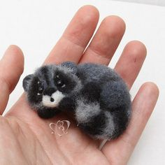 Cute Needle felted project wool animal raccoon(Via @eltaradourden)