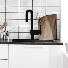 Meer dan 1000 idee n over kleine ruimtes op pinterest appartementen studio appartementen en - Kleine keuken voor studio ...