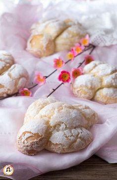 holidays in rome italy 2016 Italian Cookie Recipes, Italian Desserts, Amazing Food Photography, Sweet Corner, Biscotti Cookies, Italian Cake, Sandwich Cake, Easter Cookies, Easter Recipes