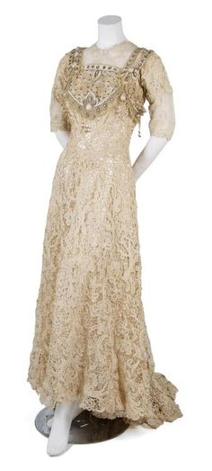 ~Dress, 1900's  From Leslie Hindman Auctioneers~
