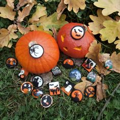 Halloween brooches and fridge magnets :) The white parts glow in the dark :) All from MadDollStudio Polymer Clay Creations, Ooak Dolls, Pumpkin Carving, Brooches, Magnets, Etsy Seller, Glow, Halloween, Dark