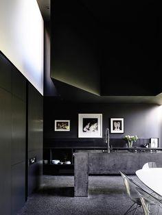 Robert Simeoni Gets Crafti Designing Powell Street House Residential Architecture, Interior Architecture, Interior Design, Australian Architecture, Australian Homes, Interior Ideas, Powell Street, Polished Concrete Flooring, Glass Brick