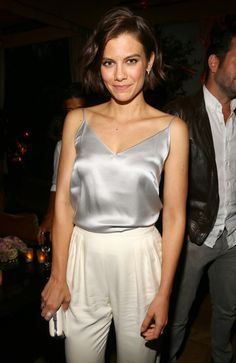 Lauren Cohan Lauren Cohen, Maggie Greene, Lauren Graham, Short Bob Haircuts, Olivia Munn, Cami Crop Top, Celebs, Celebrities, Beautiful Actresses
