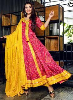 Anarkali Dress Online – We have wide range of Gota Anarkali & Bandhej Anarkali Suit. Buy now best Anarkali Dress Online and Get hug discount. Order Now! Saree Gown, Sari Dress, Anarkali Dress, Anarkali Suits, Lehenga, Sarees, Silk Kurti Designs, Blouse Designs, Indian Gowns Dresses