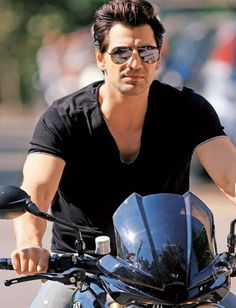 Guys on bikes Oakley Sunglasses, Mens Sunglasses, Tough Guy, Mans World, Male Beauty, Men's Collection, Black Men, Famous People, Sexy Men