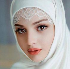 Subhanallh puri summer vacation lagi di ho gi tumhe banane me upar wale ne Most Beautiful Faces, Beautiful Girl Image, Beautiful Eyes, Beautiful Muslim Women, Beautiful Hijab, Hijabi Girl, Girl Hijab, Beauty Full Girl, Beauty Women
