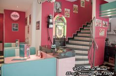 HAPPY DAYS DINER : Diner américain  25 rue Francisque Gay, 75006 Paris http://www.happydaysdiner.com/