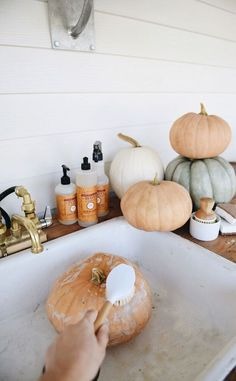 Easy trick to stop your pumpkins from rotting. Fall Home Decor, Autumn Home, Holiday Fun, Holiday Decor, Festive, Autumn Decorating, Porch Decorating, Decorating Tips, Fall Scents