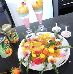 Kidsproof feesthapjes als traktatie voor kinderfeestje, een verjaardag, hapjes met fruit, lekkere spiesjes en meer. Gezond en lekker!