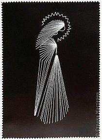 Selo comemorativo dos bordados com pregos e linhas.