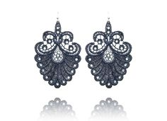 Arabesque Collection by Stroili Oro. So nice for Christmas