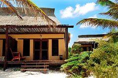 Camina en estas arenas blancas y mira el mar caribe a tus pies Hip Hotel Tulum