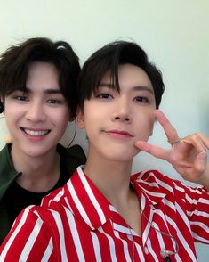 It's all the awesome pics of NCT that i wanted to share with you all! Taeyong, Jaehyun, Winwin, Nct 127, Ten Chittaphon, Thank You For Coming, You Are Cute, K Idols, Nct Dream