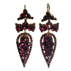 Shop diamond and pearl drop earrings and other vintage and antique earrings from the world's best jewelry dealers. Garnet Jewelry, Red Jewelry, Garnet Earrings, Cheap Jewelry, Jewelry Shop, Fine Jewelry, Drop Earrings, Jewelry Stores, Jewelry Necklaces