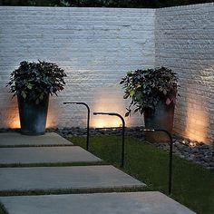 Nexus LED Swivel Landscape Light by Hinkley at Lumens.com Led Path Lights, Outdoor Hanging Lights, Outdoor Ceiling Lights, Outdoor Post Lights, Pathway Lighting, Outdoor Wall Lighting, Outdoor Walls, Exterior Light Fixtures, Exterior Lighting
