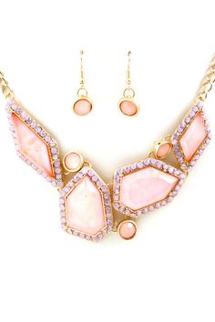 This necklace on in the summer with a white dress, golden skin and a blow out would be ideal