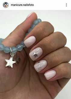 Nail art Christmas - the festive spirit on the nails. Over 70 creative ideas and tutorials - My Nails White Nails With Gold, Gold Nails, White Shellac Nails, Xmas Nails, Christmas Nails, Simple Christmas, Christmas Crafts, Christmas Decorations, Stylish Nails