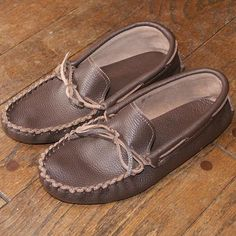 Get comfort & style with these casual moccasins handmade by Authentic Native American Indians ft. a soft sole great as indoor house shoe or for driving