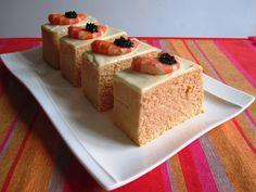 Pastel frío de merluza y langostinos 8 Summer Recipes, My Recipes, Gourmet Recipes, Cooking Recipes, Favorite Recipes, Tapas Menu, Yummy Food, Tasty, Food Decoration