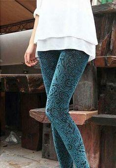 Leggings Texture Turquesa http://www.tramanta.com/productos/ropa-de-mujer-pantalones-leggins/leggings-texture-turquesa