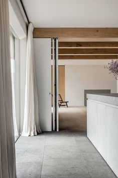 Take a look in our HB realisations with the most beautiful natural stones. Minimal Apartment, Natural Stones, Oversized Mirror, Minimalism, Beams, Beautiful, Outdoor Decor, Furniture, Vintage