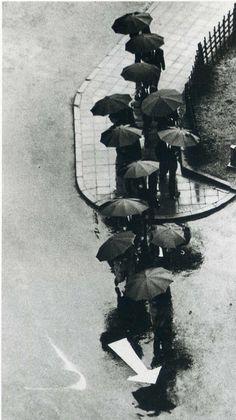 ANDRÉ KERTÉSZ Tokyo, 1968--The 12 Apostles.>KB