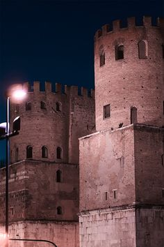 San Sebastiano Gate, Museum of Rome: shooting with an EOS CLS clip filter to reduce light pollution.