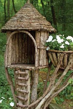 Αποτέλεσμα εικόνας για how to make a fairy house step by step Fairy Tree Houses, Bird Houses Diy, Fairy Garden Houses, Gnome Garden, Fairies Garden, Garden Crafts, Garden Projects, Garden Ideas, Bird House Feeder