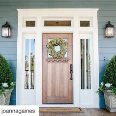 If you walked into a #magnolia #fixerupper home what do you think it would smell like? Give us some inspo for a possible spritzer. #BraidHomeopathics #3CordCrew