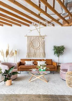 Hippy Room 639229740849460529 - 47 Superb Hippie Bohemian Living Room Design Ideas living Source by gladyscguidoo Boho Living Room, Bohemian Living, Bohemian Decor, Living Room Decor, Hippie Bohemian, Bohemian Furniture, White Bohemian, Bohemian House, Boho Room