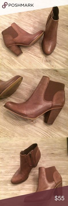 Steven by Steve Madden Ankle Booties Beautiful Ankle Boots, in excellent condition, ready for a new home! Size 7.5 and fits true to size Steven by Steve Madden Shoes Ankle Boots & Booties