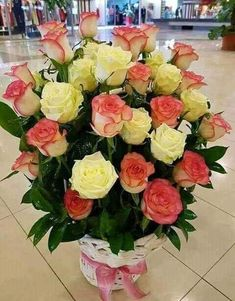 Looking for something new elegant flower bouquet for your spacial one? will provided you. Home Flowers, Beautiful Rose Flowers, Romantic Roses, Elegant Flowers, Silk Flowers, Rose Flower Arrangements, Flower Centerpieces, Flower Decorations, Flower Box Gift