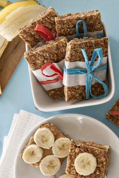 Telluride Trail Granola Bars (Peanut Butter, Banana, Pretzel) on… Granola Bars Peanut Butter, Peanut Butter Pretzel, Homemade Granola Bars, Real Food Recipes, Snack Recipes, Yummy Food, Gluten Free Pretzels, Homemade Butter, Healthy Treats
